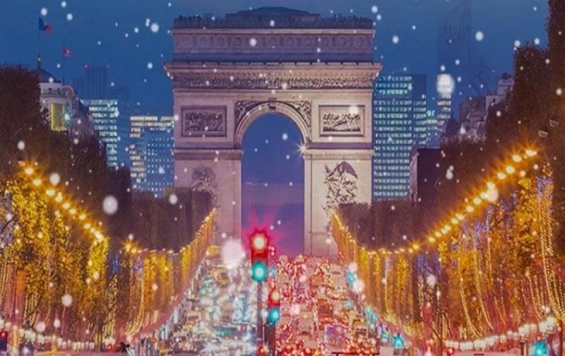 christmas light up tour base 1200x630 c 1 1 - Новорічні свята в Європі. Куди поїхати зі Львова автобусом?