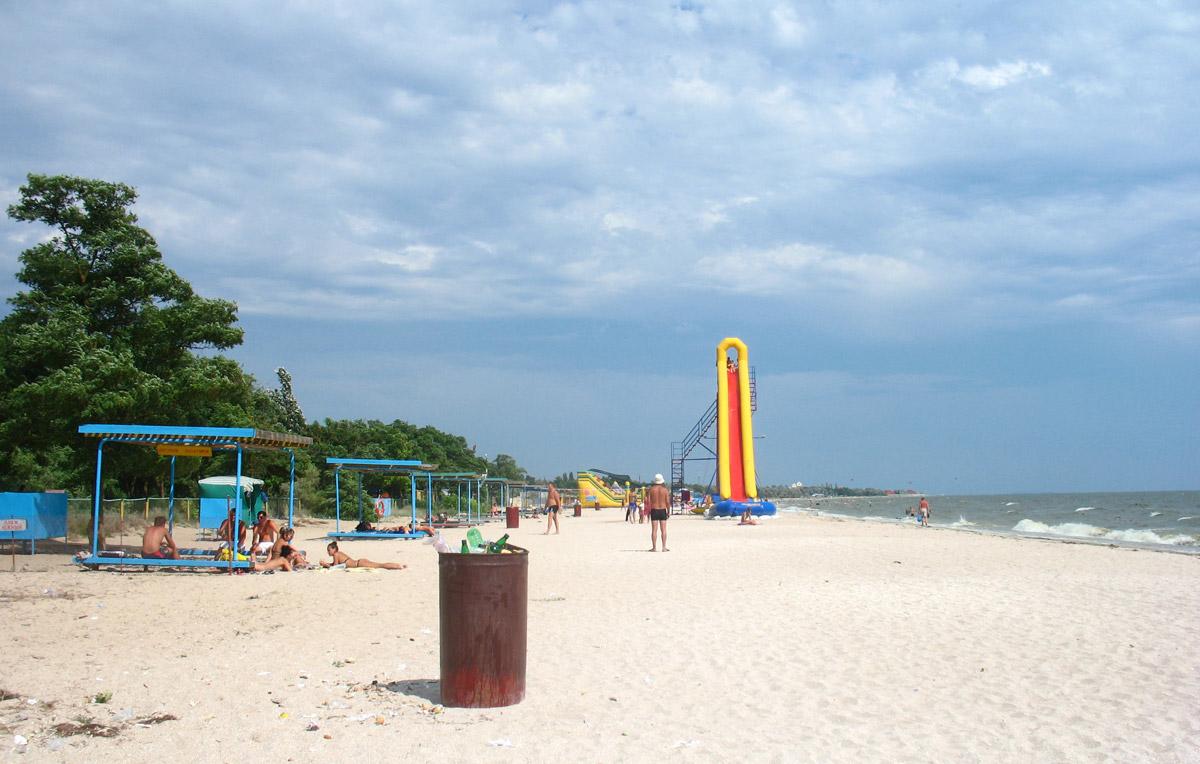 Rybakivka_Beach