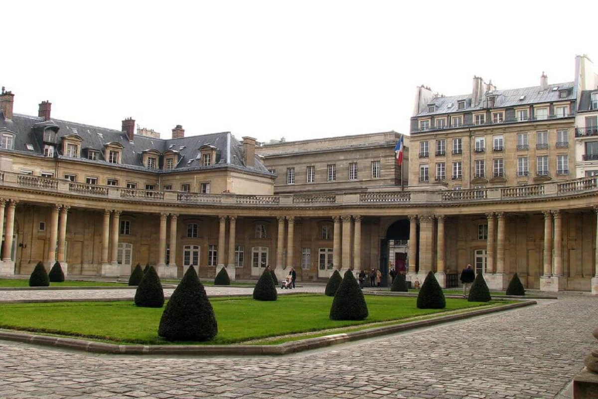 cubis1 - Топ безкоштовних пам'яток Парижа