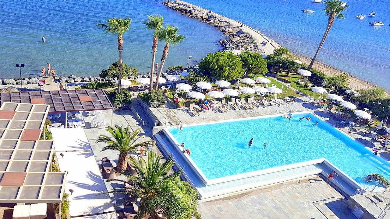 Crowne Plaza Limassol 15 - Кіпр