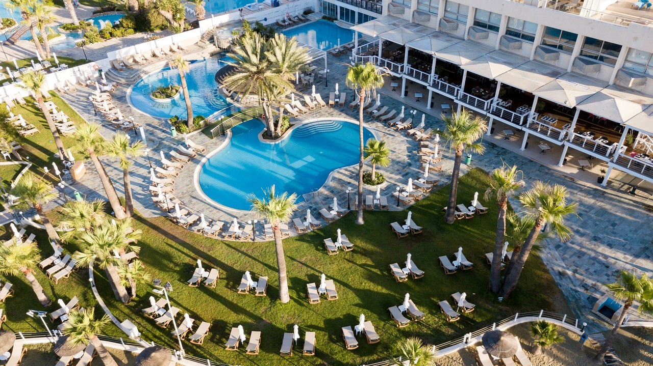 the golden bay beach - Кіпр