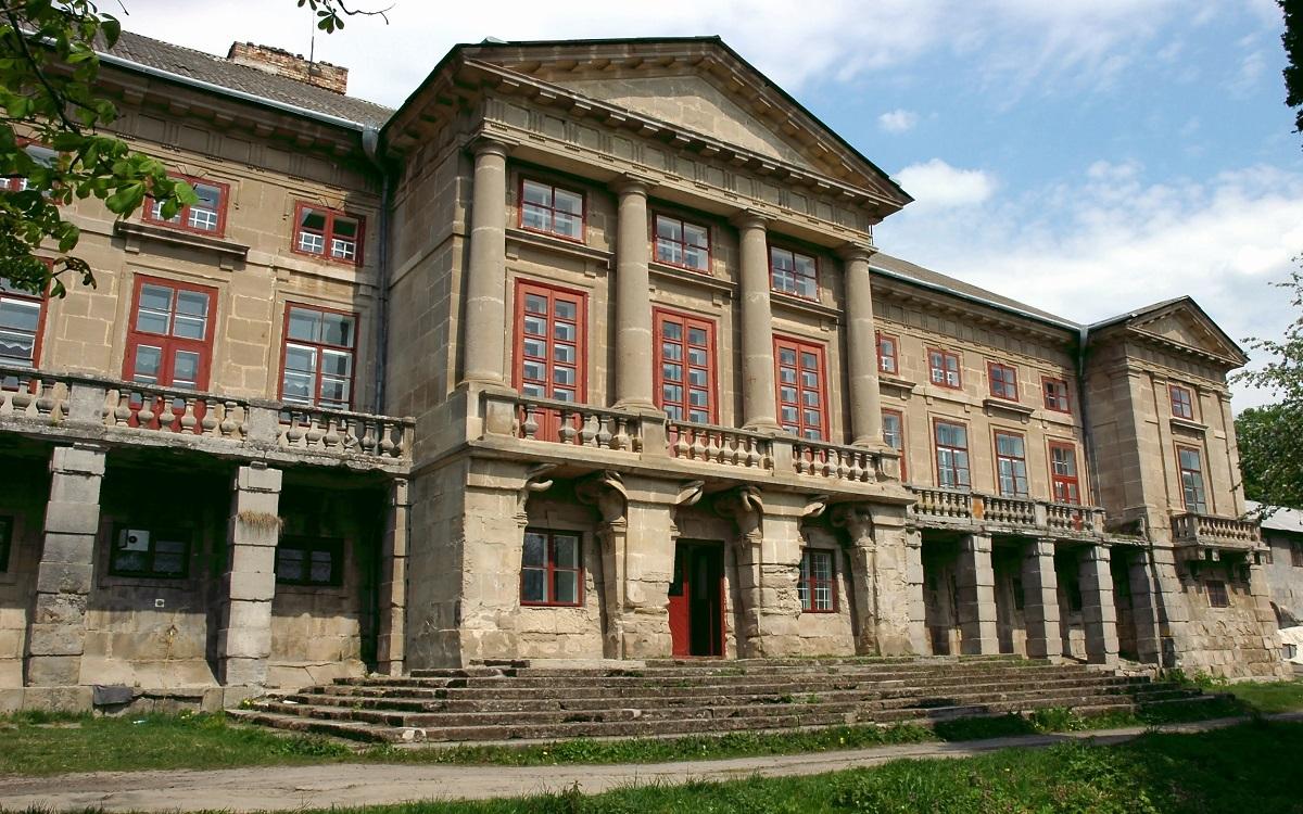 Pivdennyj fasad mayetku v Maliyivtsyah 1 - Чудеса Подолья и Буковины+Бакота