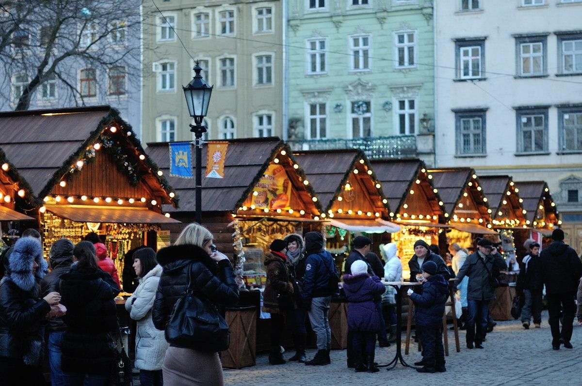 Lviv. Rynkova ploshha - Новый год в Карпатах