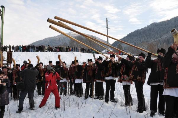 148061526858406564cc13a - Сочельник и Рождество в гуцульских Карпатах