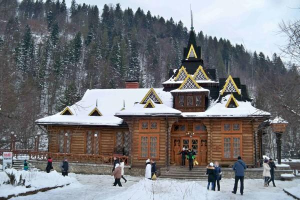 14806154825840663a375af - Святий вечір і Різдво в Гуцульських Карпатах