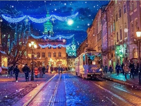 15720069865db2ec4a5559a - 12 рождественских историй Львов, Карпаты и не только