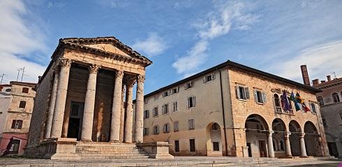 Canva Pula Istria Croatia  the Roman Temple of Augustus 1 - Хорватия, которую ты не знаешь