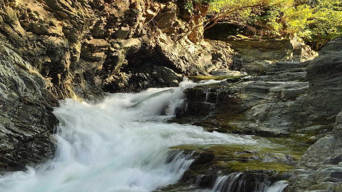 1510666001 sriblyasti vodospady 4 - Поход на Гору Шпицы