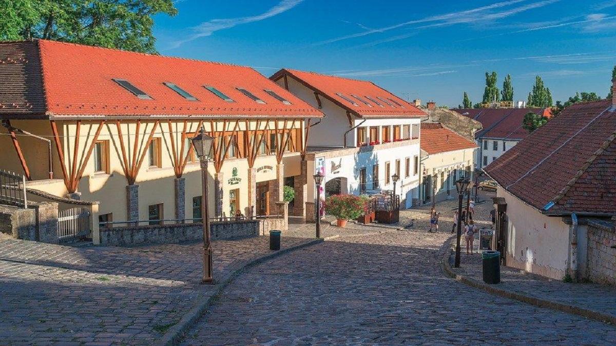 eger 1861932 960 720 - Будапешт з Луцька