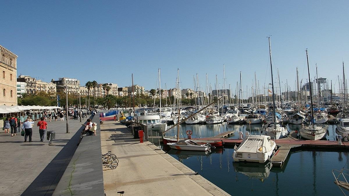 1200px Barcelona Port Vell 03 - Барселона з Луцька