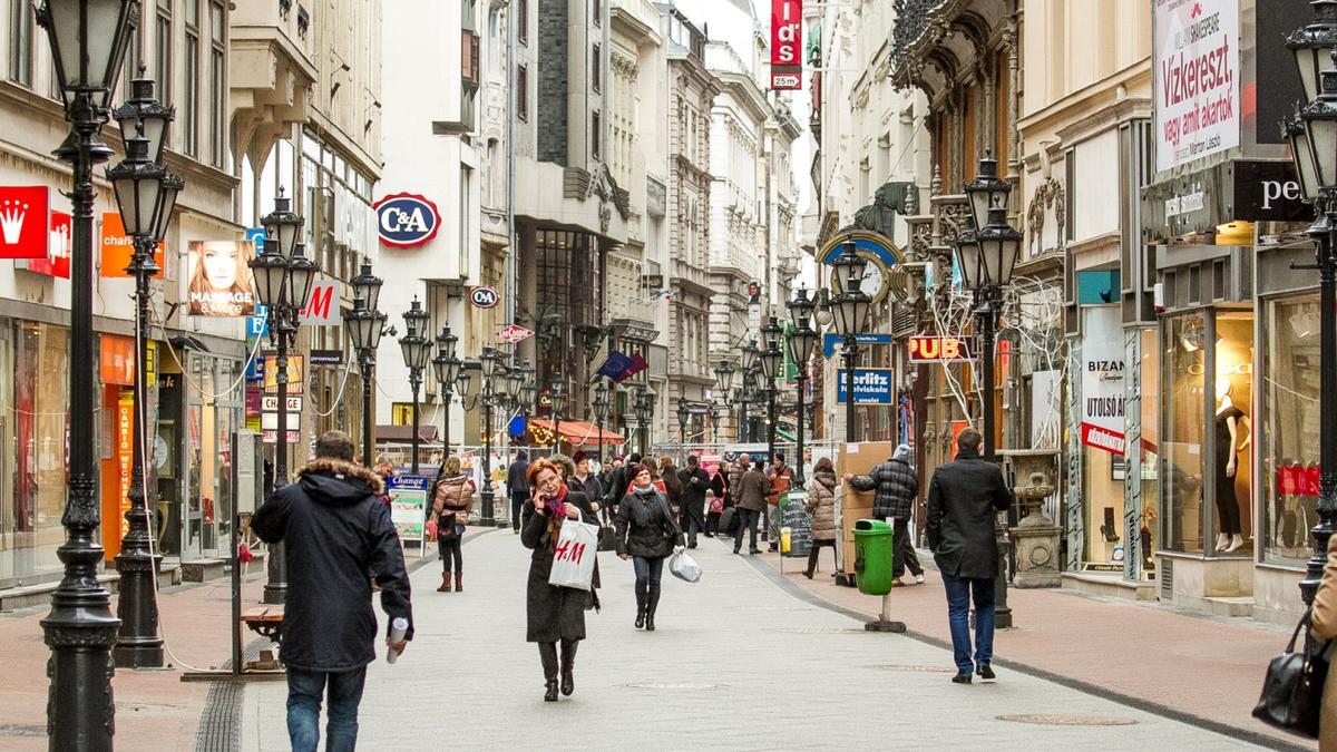 Ulytsa Vatsy - Будапешт з Луцька